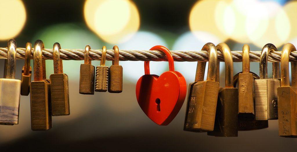 Historia y tradición de las cerraduras del amor: los 10 puentes más bonitos y dónde encontrarlos
